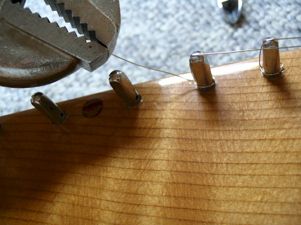 Bowed Psaltery Hitch Pin String Pulled Tight