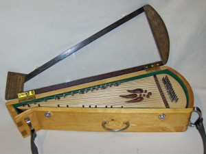 Deeann bowed psaltery with Pandora Hart